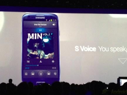Démonstration de S Voice (Voix), le Siri-like du Galaxy S3