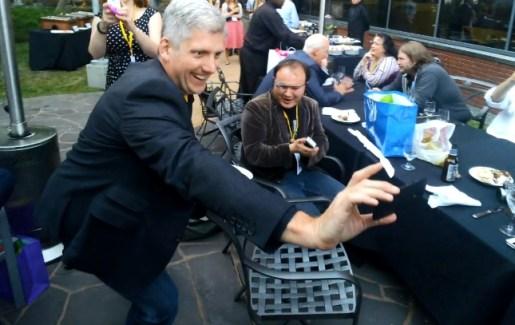 Le Moto X aperçu entre les mains d'un responsable chez Motorola