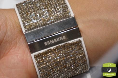 Aperçu de la collection Swarovski pour Samsung, avec la Gear S et le Galaxy Note 4
