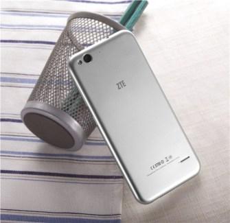 ZTE Blade S6 : il est officiel, le cousin de l'iPhone 6 (sous Lollipop)