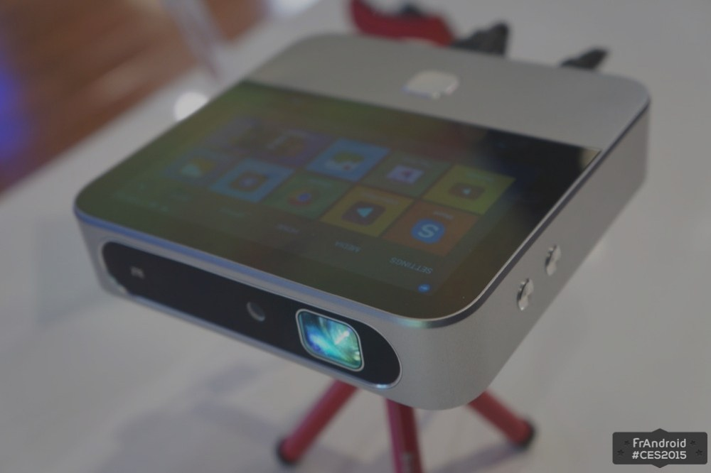 ZTE Spro 2, prise en main du projecteur 4G LTE sous Android