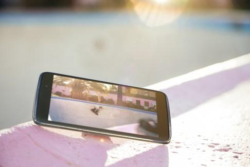 Alcatel One Touch Idol 3 : des précommandes le 21 avril pour moins de 250 dollars