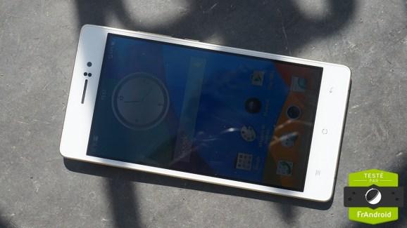 Test de l'Oppo R5, le mobile taille mannequin