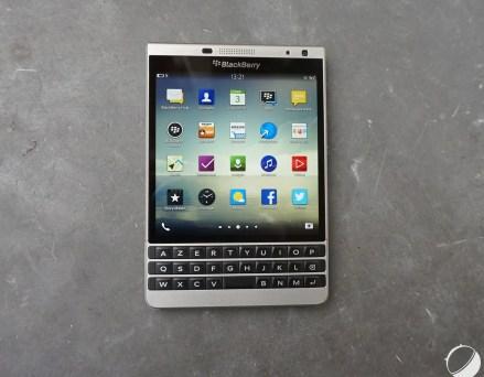 Prise en main du Blackberry Passport Silver...
