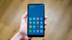Test du Xiaomi Mi Mix 2 : Xiaomi remixe son...