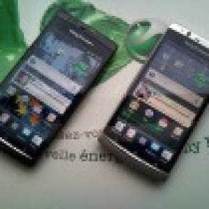 Le Sony Ericsson Xperia Arc se dévoile en photos et vidéo, avec ses deux coloris