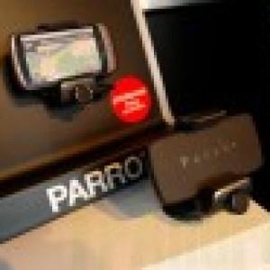 Présentation du Parrot Minikit Smart, un support mains-libres et chargeur