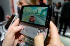 Découverte vidéo du Sony Ericsson Xperia Play, entre la console et le smartphone