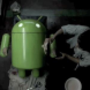 Une publicité pour le Sony Ericsson Xperia Play et le stand revendeur de l'Arc