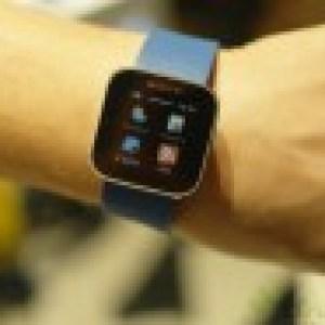 CES 2012 : Prise en main de la Sony Smart Watch, une montre sous Android