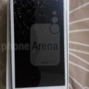 Galaxy S3 : un écran (in)cassable et un retard de livraison pour la version bleue