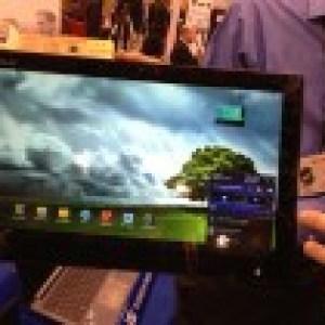 CES 2013 : Asus présente le Transformer AIO, une tablette de 18,4 pouces avec Android et Windows 8
