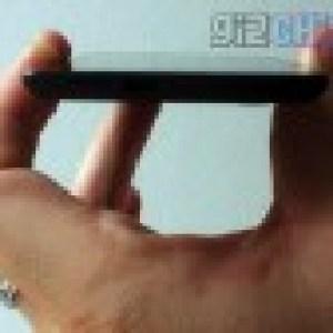 Photos : Umeox X5, probablement le smartphone le plus fin du monde
