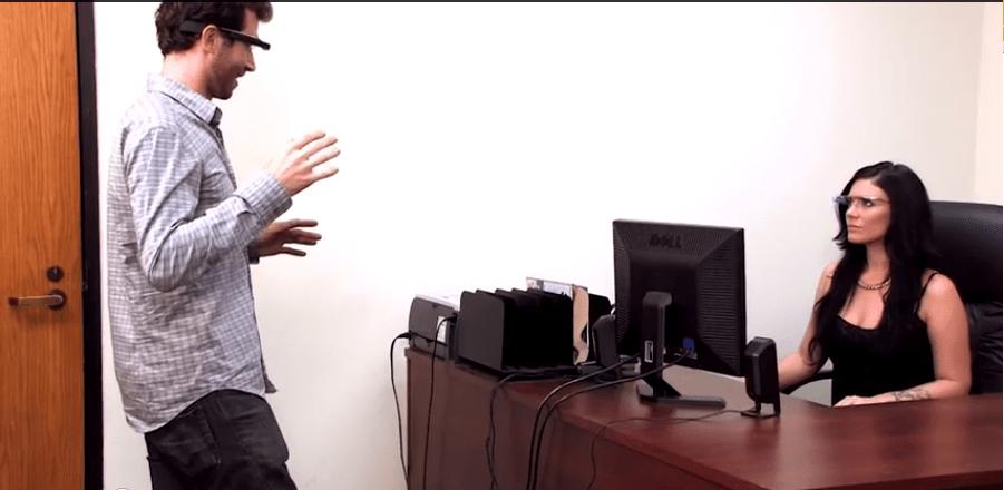 James Deen, Andy San Dimas et Mikandi imaginent comment le faire avec les Google Glass