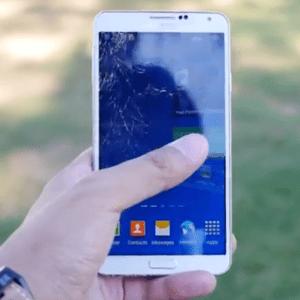 Crash test : l'écran du Samsung Galaxy Note 3 au banc d'essai