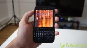 Test du BlackBerry Q5, le milieu de gamme du canadien avec clavier physique