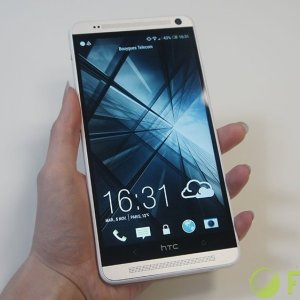 Test du HTC One Max, quand HTC voit grand
