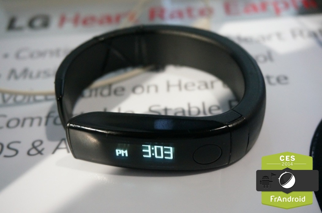 LG met un écran OLED et un petit goût de smartwatch dans son bracelet LifeBand Touch