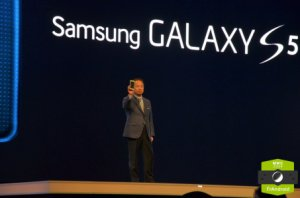 Prise en main du Galaxy S5 : Samsung a-t-il réussi son pari du «nouveau» ?