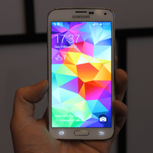 Galaxy S5 : Voilà à quoi il ressemble !