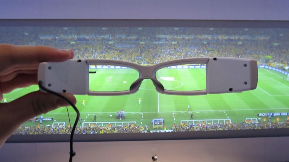 Sony présente son prototype SmartEyeglass au MWC