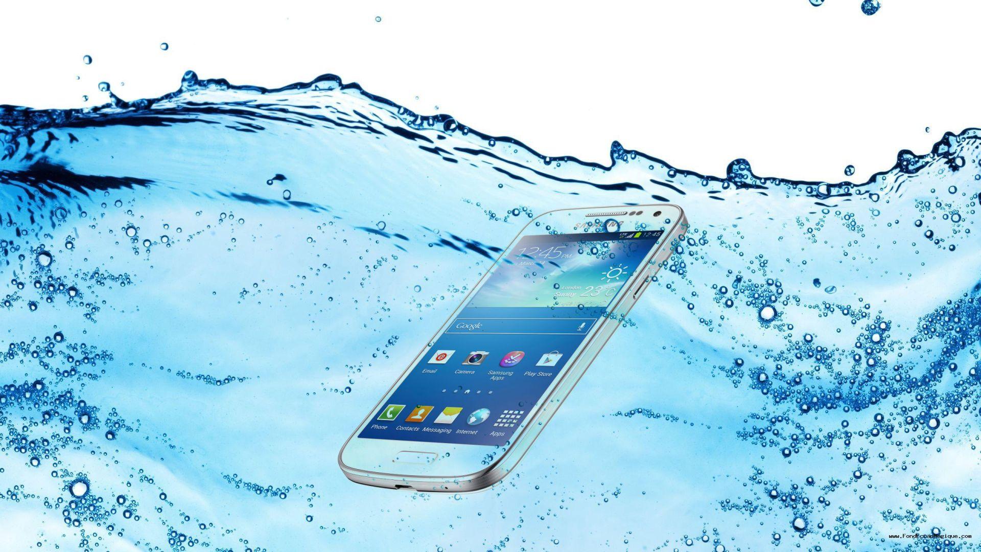 Galaxy S5 mini et Mega 7.0 : résistance à l'eau et format hors-norme chez Samsung