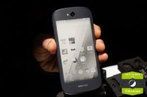 Prise en main du Yotaphone 2, prêt à remplacer votre Kindle ?