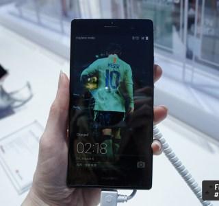Sapphire ou Arsenal : Huawei fait le plein d'éditions spéciales pour son Ascend P7