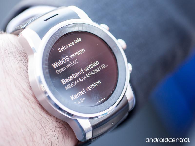La LG G Watch R version Audi est finalement sous WebOS !