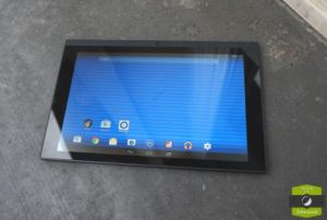 Test de la Poss Touch Tablet 10 Fluo : un V8 dans une Twingo ?