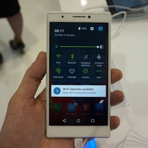 Prise en main du Haier Voyage V5, un mobile au look premium
