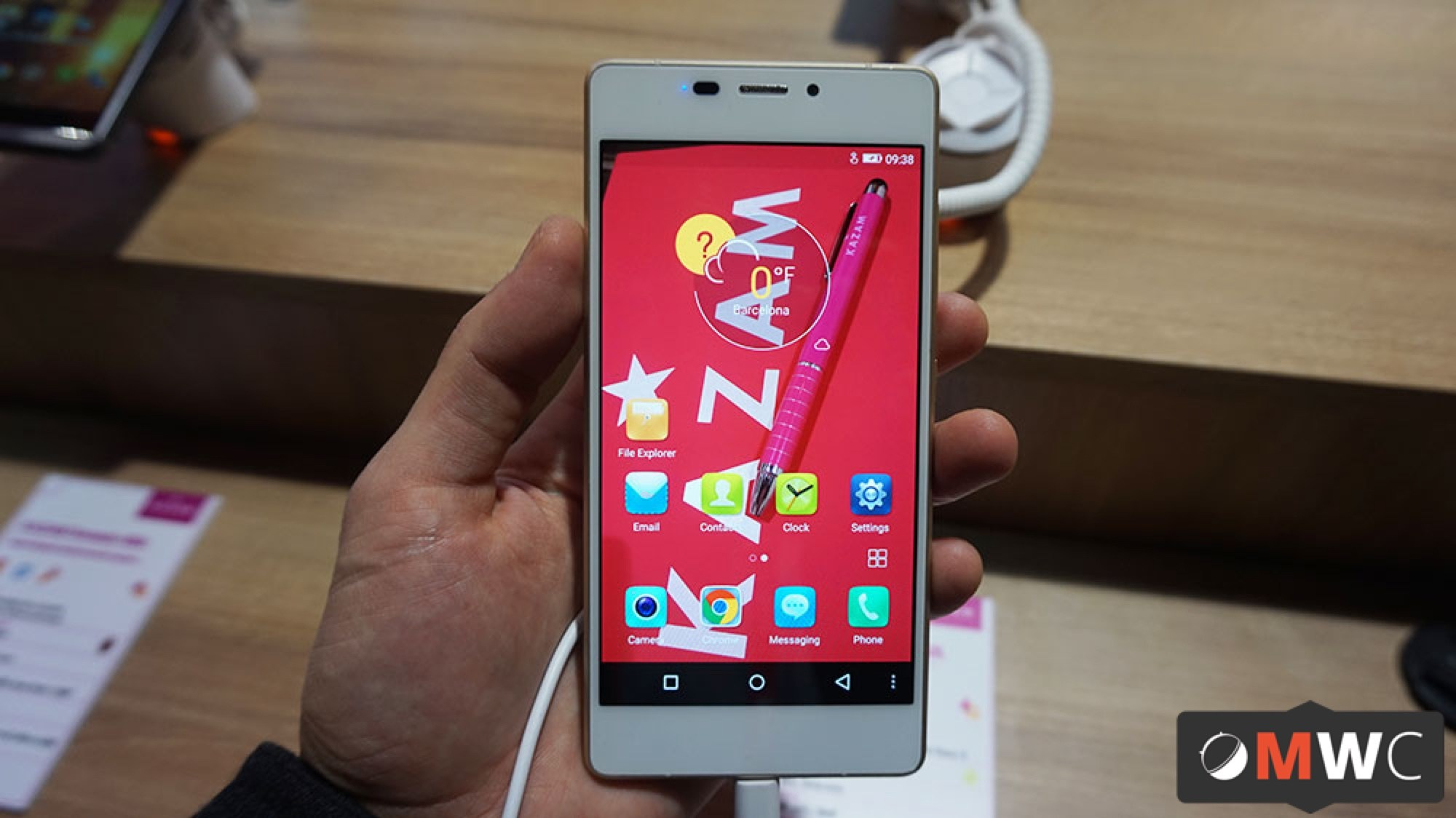 Prise en main du Kazam 552L, le smartphone fin et élégant