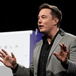 Elon Musk espère écraser Uber et Lyft avec son Réseau Tesla autonome