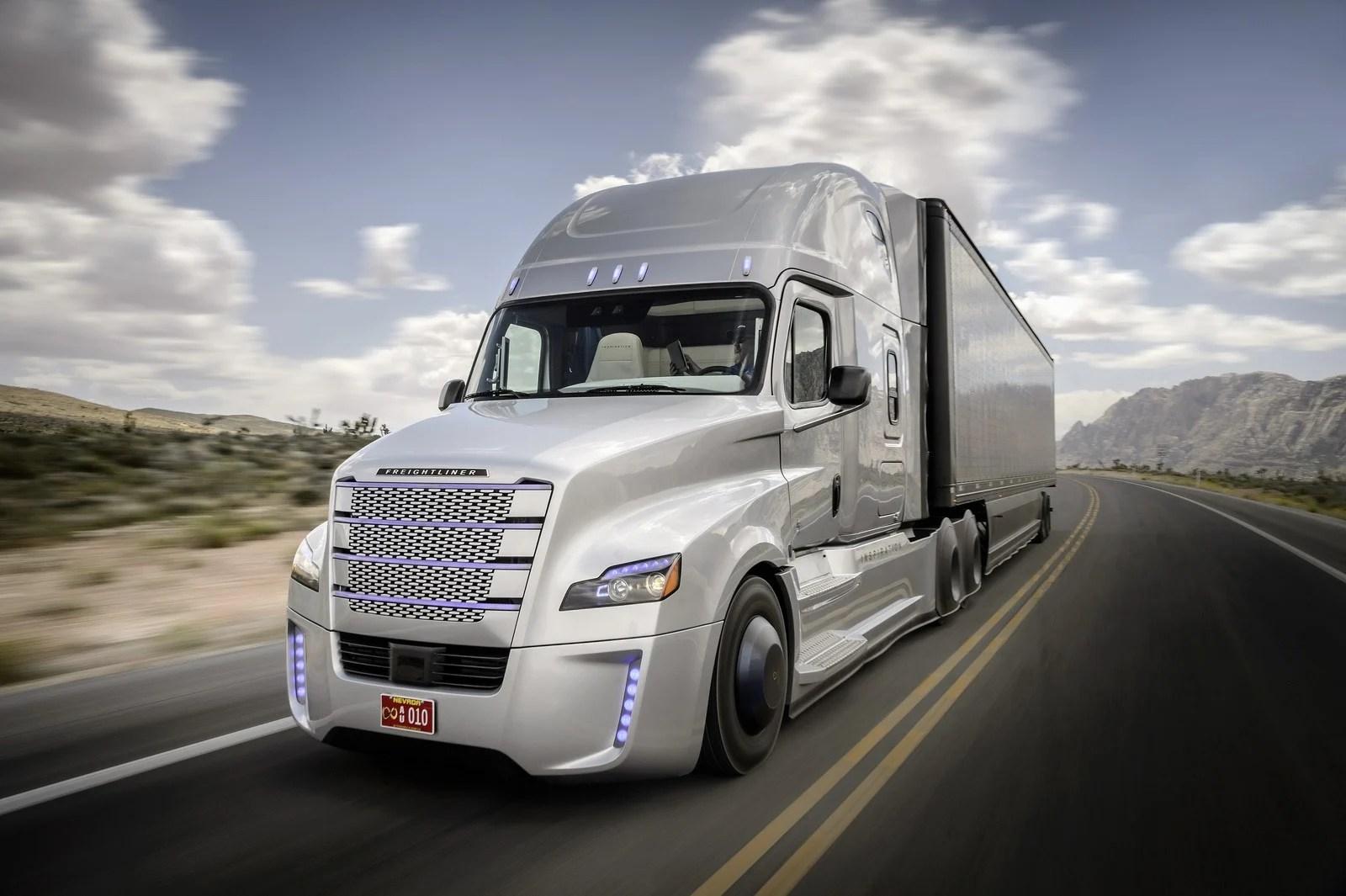 Bientôt des camions partiellement autonomes sur les routes