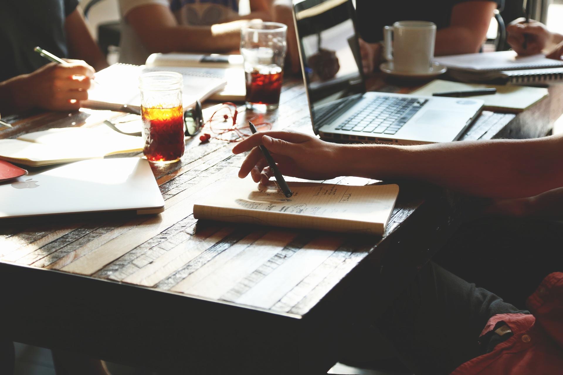 5 applications pour organiser vos travaux de groupes