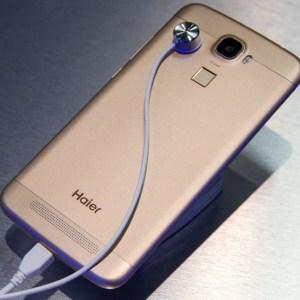 Prise en main du HaierPhone L60, avec de l'aluminium et un capteur d'empreintes digitales