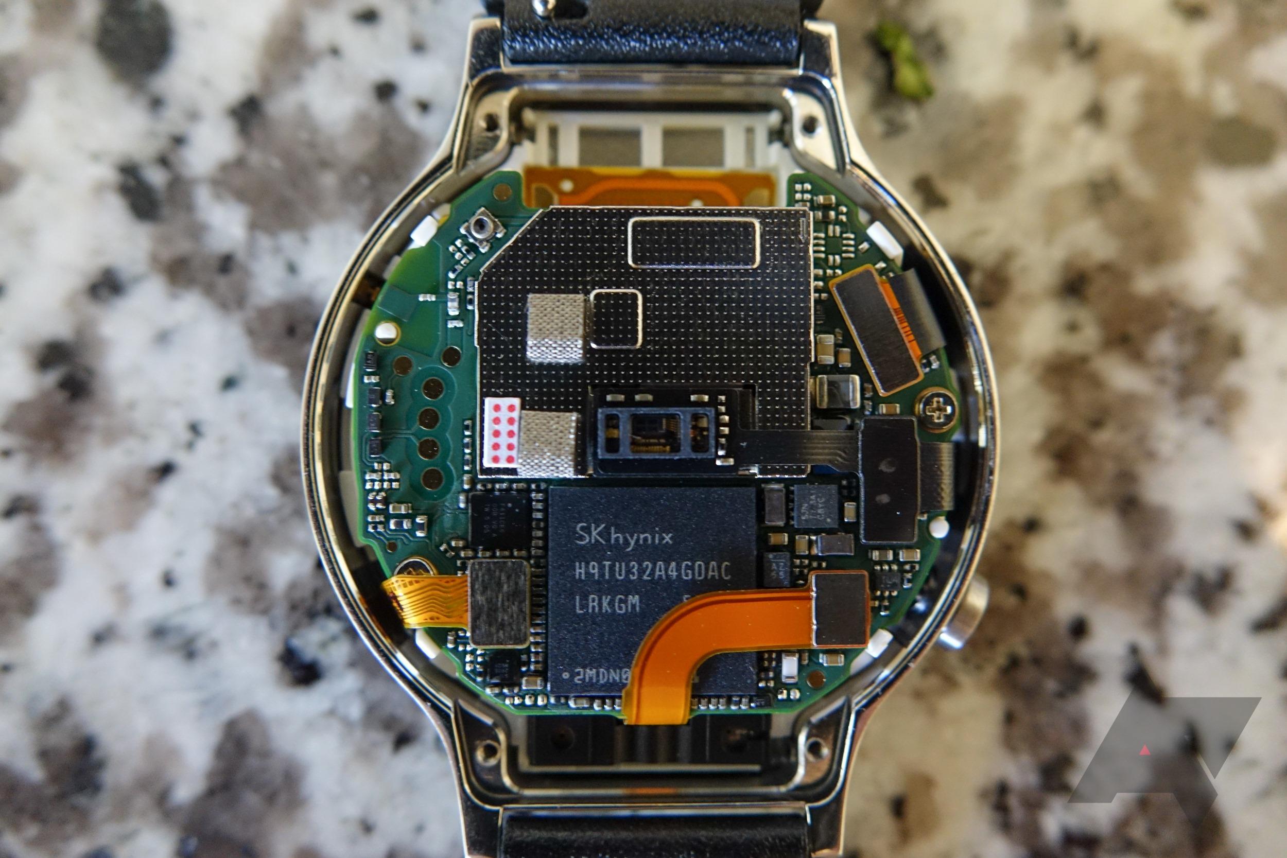 La Huawei Watch intègre un haut-parleur, une première pour une montre Android Wear