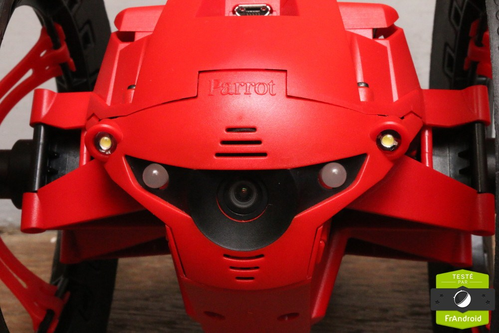 Test du Jumping Night Drone Marshall : un bolide survitaminé, bavard et nocturne
