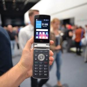 Aperçu du LG Wine Smart, le smartphone Android à clapet pour les nostalgiques