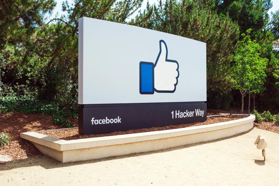 Pour sa prochaine application, Facebook miserait sur la réalité virtuelle