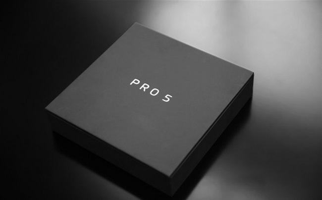 Meizu Pro 5 : des photos du smartphone avec une interface «stock»