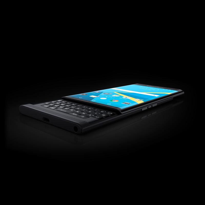 BlackBerry montre les premières photos officielles du Priv sous Android