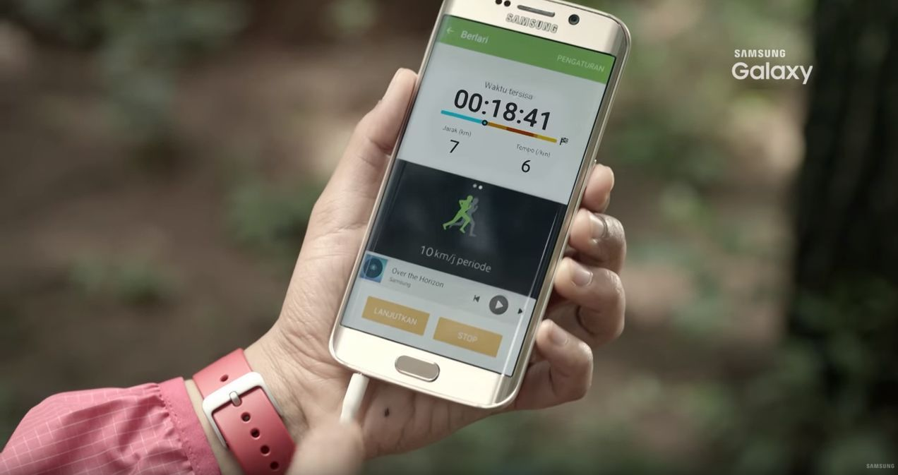 GalaxyS7 : une vidéo promotionnelle de Samsung confirme son étanchéité