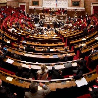 Un amendement pour obliger Apple et Google à collaborer avec la justice française