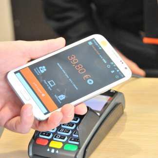 Orange Bank, la banque 100 % mobile se veut « disruptive »