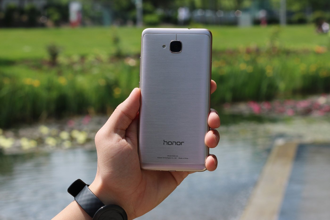 Tech'spresso : Le Honor 5C officiel, Chrooma Keyboard et le forfait 50 Go de NRJ Mobile