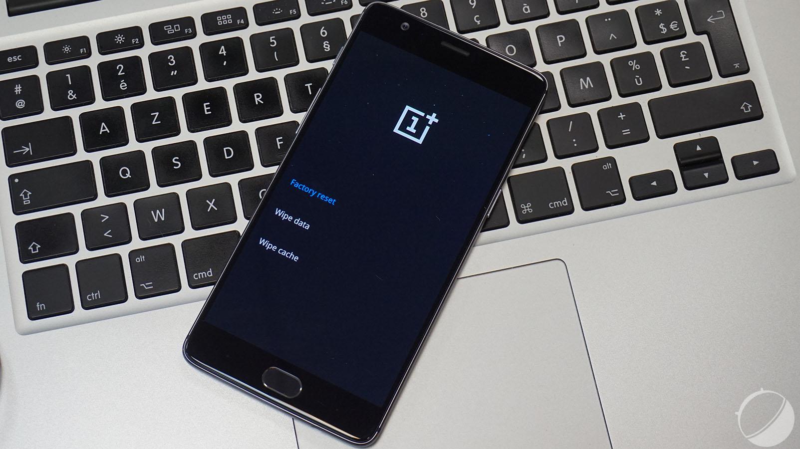 OnePlus 3 : OxygenOS 3.2.2 améliore le fonctionnement de Doze et du mode vidéo