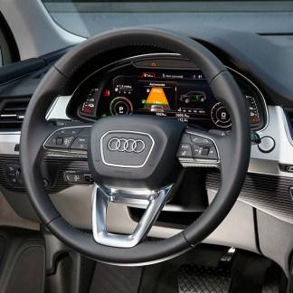 Audi Q7 e-tron : nous avons testé la conduite semi-autonome de cette voiture hybride