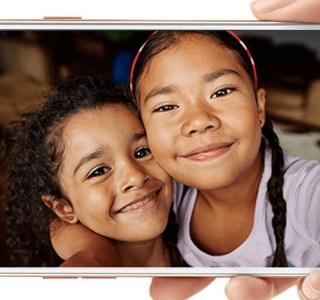 L'Oppo F1S est officiel et se veut «expert en selfies»
