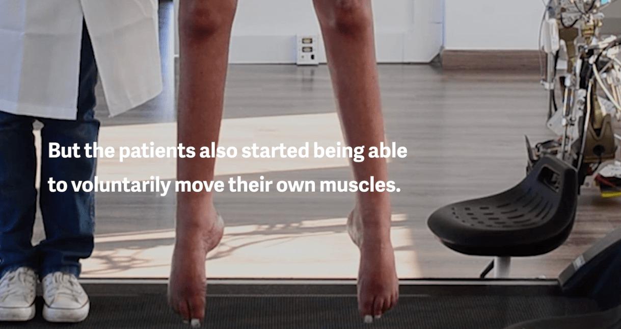 Quand la réalité virtuelle réapprend la marche à des paraplégiques